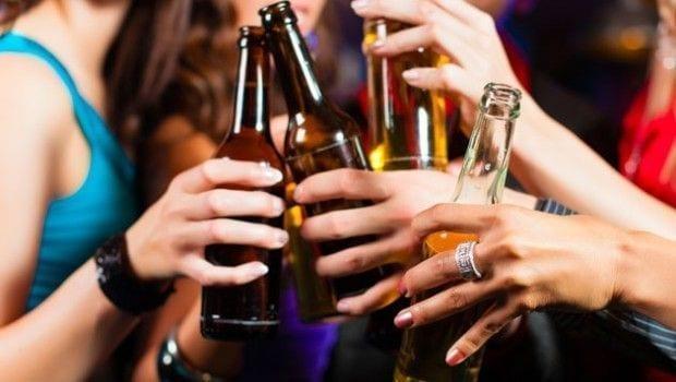 Alcoholismo-y-jóvenes-una-relación-muy-peligrosa